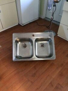 Double kitchen sink
