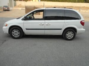 2006 Dodge Caravan Auto 3.3L 115000KMS DVD PLAYER