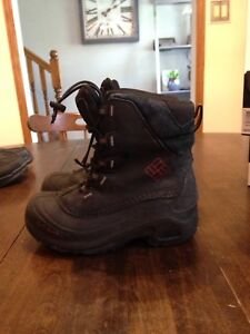 Boys 2 youth Columbia Boots