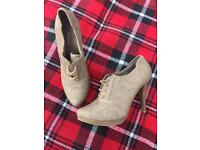 Ladies heeled ankle boots size 7.5