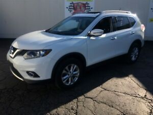 2016 Nissan Rogue SV, Automatic, Panoramic Sunroof, AWD,