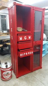 Armoire industriel style container