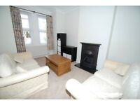 1 Bedroom Flat to rent in Hanwell with shared garden
