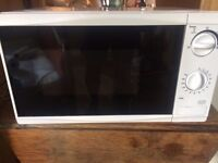 Tesco Solo Microwave MM08 Value, 17L - Black & White (Perfect / New condition and Rarely used)