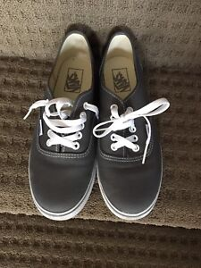 Vans lo pro shoes women's 8.5