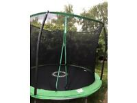 Trampoline 12 ft in mint condition