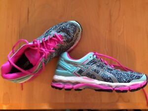 Women's Asics Gel runners - almost new, size 8.5