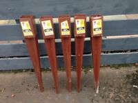Five Metpost 75x600 mm steel fence supports