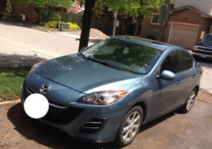 2011 Mazd3 fully loaded / good condition