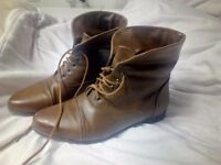Laces ankle boots