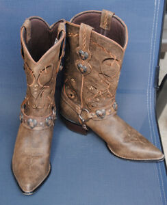 COW GIRL BOOTS BY DURANGO