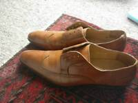 Leather shoes tan.wingtip made in Spain.