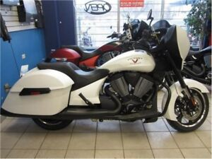 2015 Victory Motorcycles Cross Country Suede White Frost