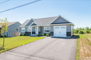14 Coachmen, Riverview - IMMACULATE OPEN CONCEPT IN RIVERVIEW!