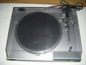 Hitachi Turntable for sale ...