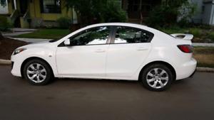 2010 Mazda3  GX w/ Car Starter!