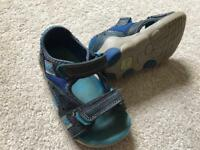 Boys clarks sandals size 6