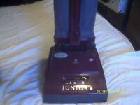 A HOOVER JUNIOR LIGHTWEIGHT VACUUM CLEANER , AS NEW , V.G.C. ++++++++++++++