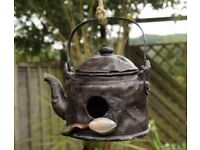 Novelty Rustic Kettle Bird House Hatching & Nesting Box for Small Garden Birds