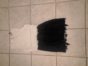 Ladies lace skirt size 0 with matching lace tank top, size small