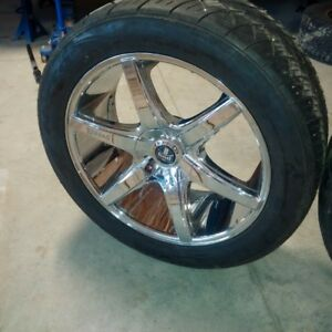 like new 22 inch chrome 5x5.5 and 5x5 wheels and tires