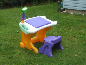 Little Tikes craft table and chair
