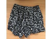 Papaya size 8 thin shorts