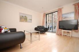 2 bedroom flat in Bridgewater Square, Barbican