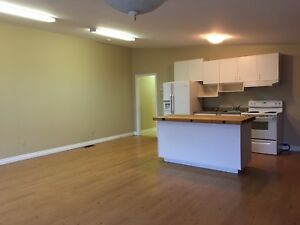 1 Bed + Den in Perth in Commercial Bldg