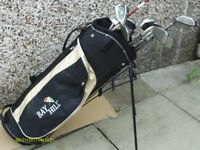 MENS RIGHT HAND GOLF CLUBS GRAPHITE IN STAND BAG