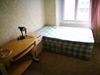 No Admin Fees ///Spacious Student & Professional PROPERTY/// 2 bedrooms in a shared house