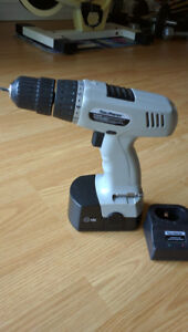 18 v Cordless Power Drill and Working Lamp for sale