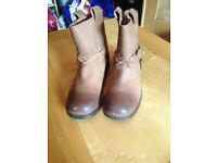Chunky Brown leather boots size 5