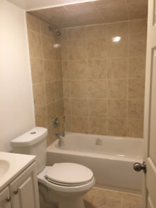 !·!!!Master room 10min walk to niagara college and outlet mall..