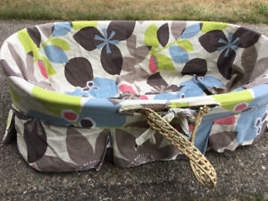 Wicker bassinet
