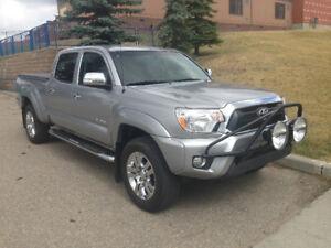 2015 Toyota Tacoma Limited Pickup Truck