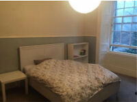 Urgent fringe festival double room let Edinburgh city centre