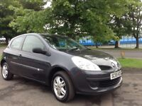 2006 Renault Clio 1.1 facelift model mot until March ideal 1st time car