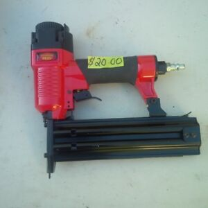 KING PERFORMANCE PLUS 18 GUAGE AIR NAILER IN EXCELLENT CONDITION