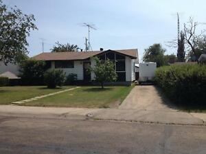 3 Bed Plus Den Home with Garage in Innisfail - Avail. Now  $1295