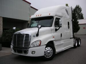 CLEAN 2015 FREIGHTLINER CASCADIA