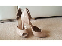 BCBGeneration Ladies Beige High Heels Shoes Size 5 38 RRP 95£ GREAT CONDITION