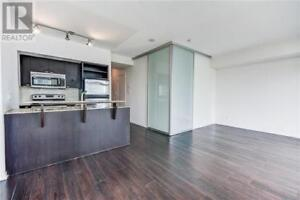 2 Bedroom, 2 Bathroom with Great Views in High Park