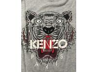 KENZO T-SHIRT // MINT CONDITION - size small.
