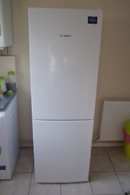 Bosch Serie 4 KGV33UW30G 60/40 Fridge Freezer - White