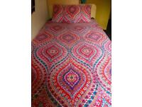 Single reversible duvet cover, pillowcase and fitted bed sheet