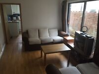 Double rooms in student house share