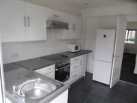 SPACIOUS 2 BED FLAT OPPOSITE NORTH CHINGFORD RAIL STATION