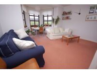 Fantastic, 2 bedroom, 1st floor flat in excellent location available September - NO FEES
