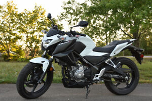 2015 Honda CB300F with ABS and Very Low Mileage